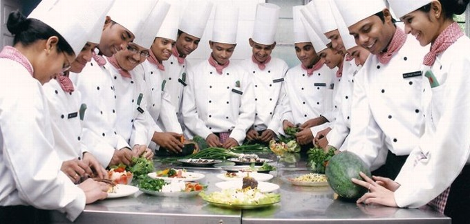 role of catering establishment in travel tourism industry Unit 1 : the hotel & catering industry • introduction to the hotel industry • growth of the hotel industry in india • role of catering establishment in the travel/tourism industry • sectors of the food service industry commercial catering welfare catering transport catering unit 2.