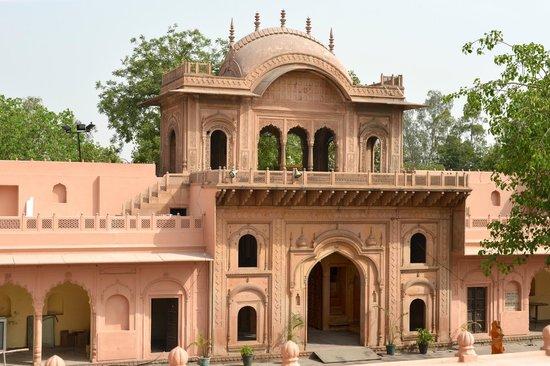 raja-nahar-singh-palace