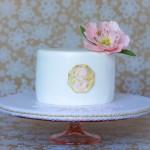 send anniversary cake