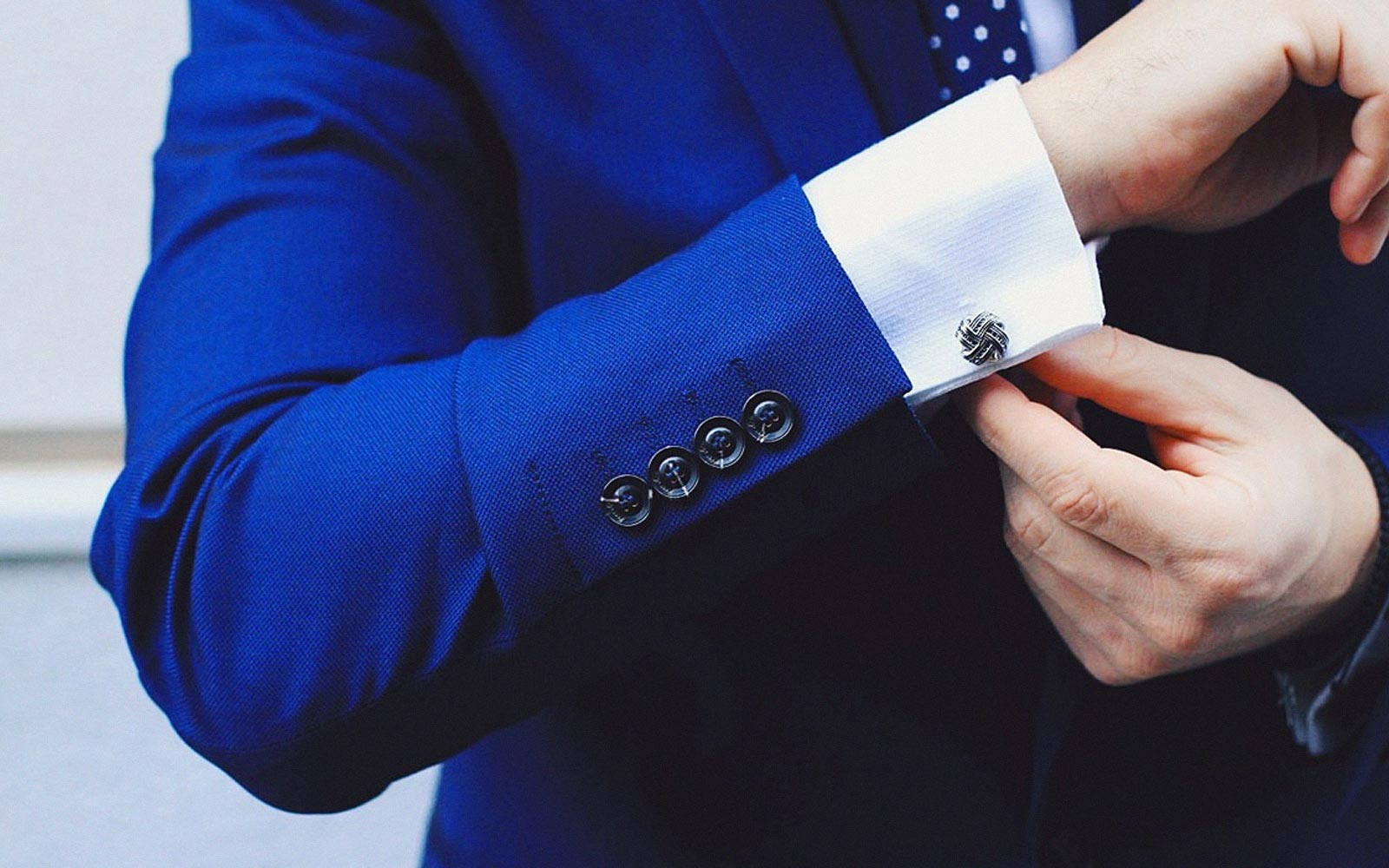 pick the right cufflinks for your shirt