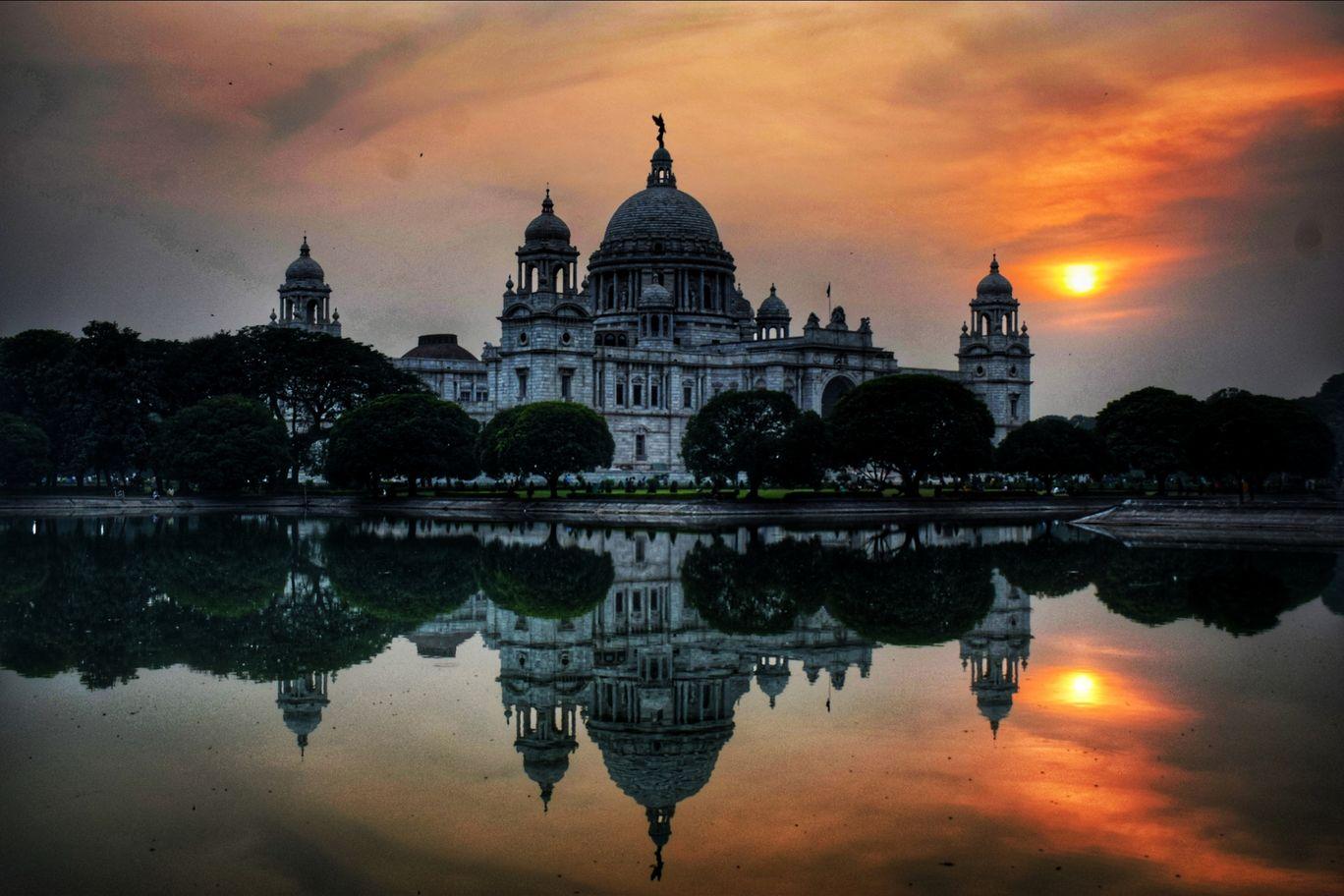 Enjoy the Historic and Serene Beauty of Kolkata