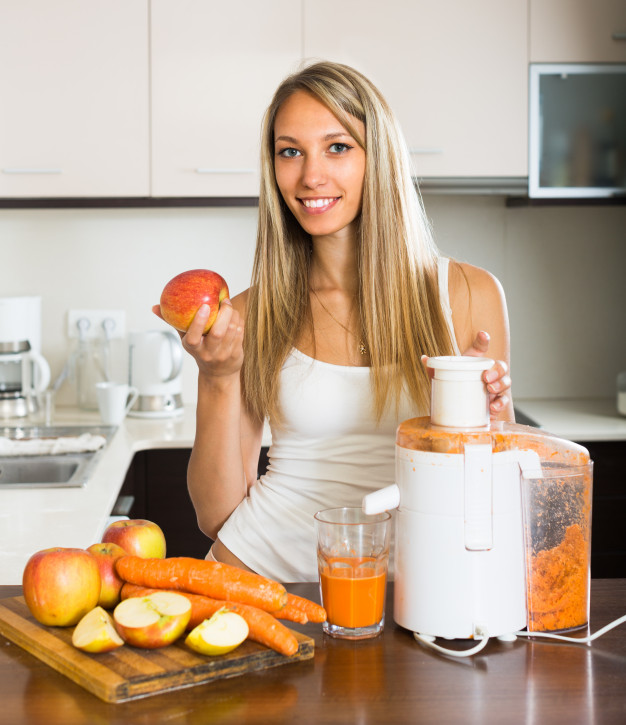 Make your Life Easier Inside the Kitchen with a Juicer Machine