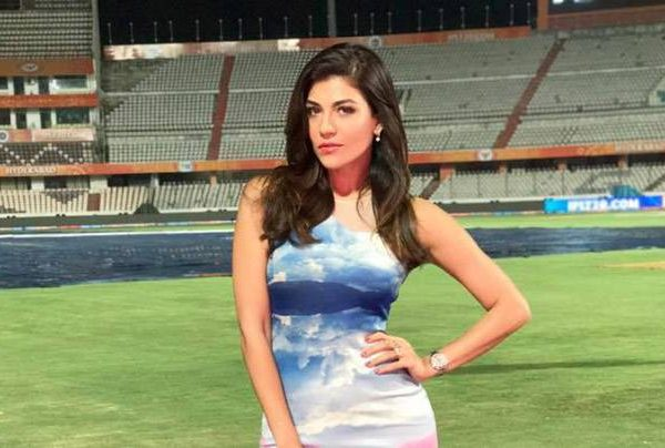 TOP IPL FEMALE ANCHORS OF ALL THE TIME